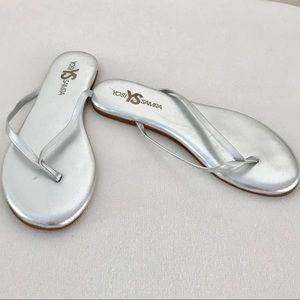 Yosi Samra Silver Flip Flops Sz 7
